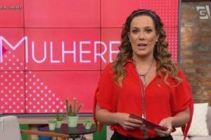 A apresentadora Regina Volpato no programa Mulheres (Foto: Reprodução/ TV Gazeta)