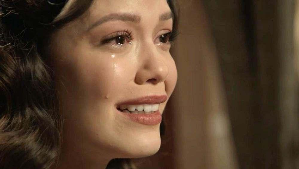 Cris em cena da novela Espelho da Vida (Foto: Reprodução/Globo)