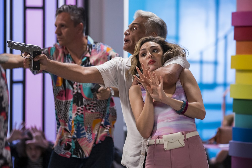 Tarcísio Filho e Manuzita em cena da novela Verão 90 (Foto: Reprodução)