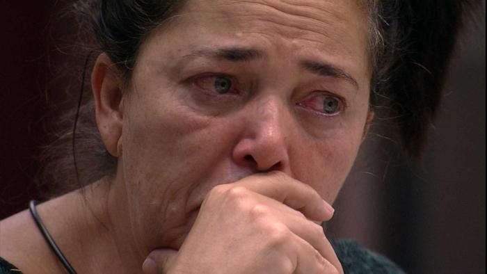 Tereza chora sozinha no BBB19 (Foto: Reprodução/Globo)