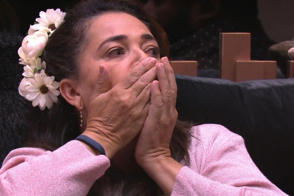 Carol Peixinho surpreende Tereza no Big Brother Brasil 19