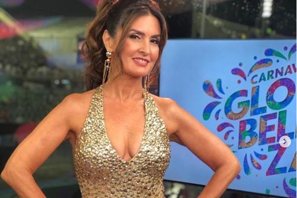 Fátima Bernardes no comando da transmissão do Carnaval do Rio na Globo (Foto: Reprodução/Instagram)