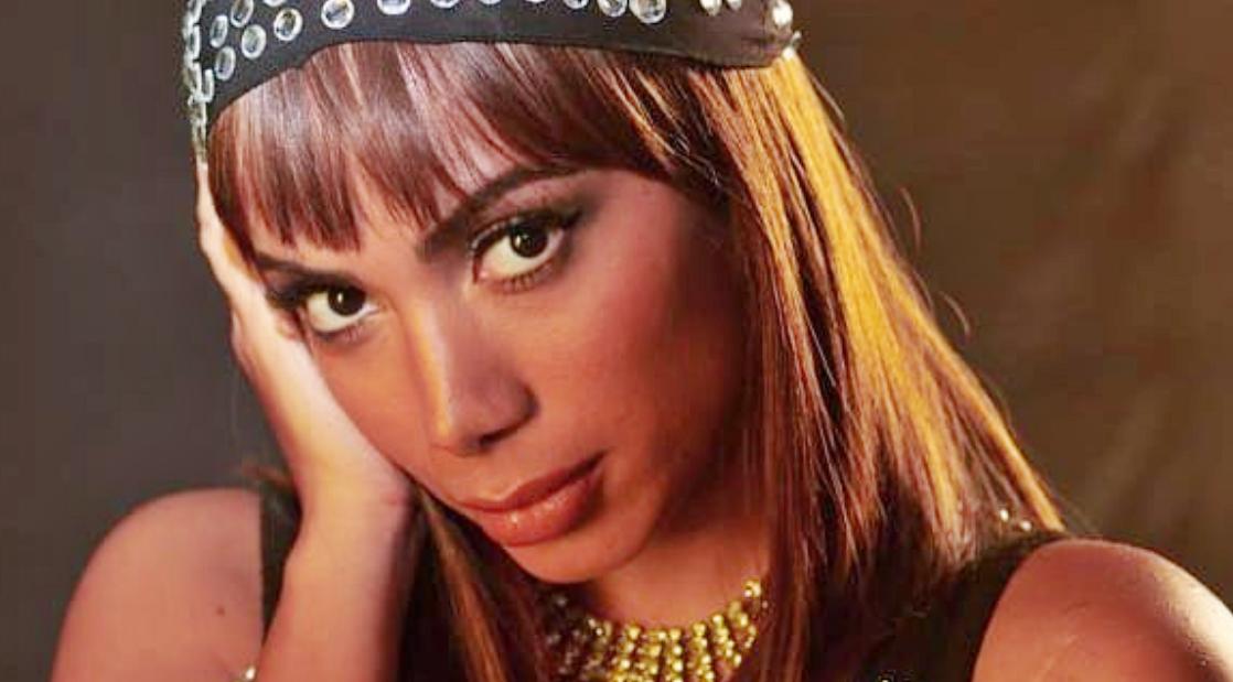 Anitta ficou a cara da boneca (Foto: Reprodução)