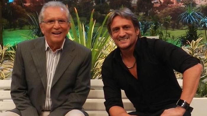Carlos Alberto de Nóbrega e o filho, Marcelo de Nóbrega, em A Praça é Nossa (Foto: Reprodução/Facebook)