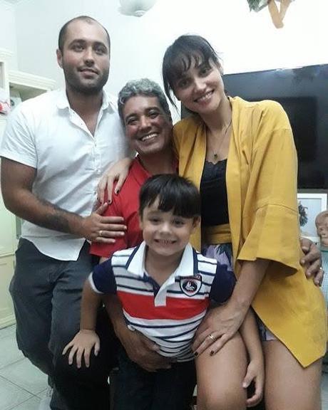 Débora Nascimento reata casamento com José Loreto e volta a usar aliança (Foto: Divulgação)
