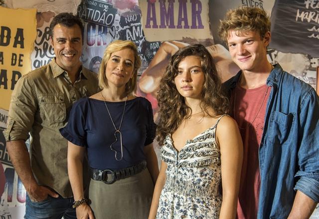 Joaquim (Joaquim Lopes), Lígia (Paloma Duarte), Rita (Alanis Guillen) e Felipe (Pedro Novaes) em Malhação (Foto: Globo/Estevam Avellar)