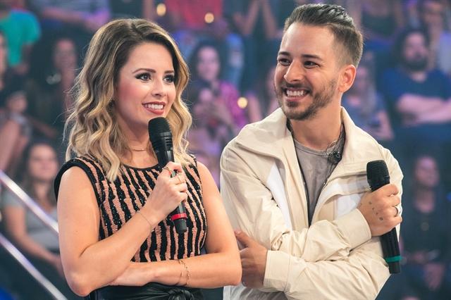 Sandy e Junior estiveram no palco do Caldeirão do Huck no retorno da dupla  (Foto: Globo/Raquel Cunha)