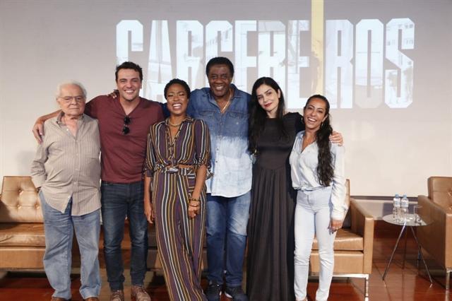 O elenco de Carcereiros no lançamento da segunda temporada da série (Foto: Globo/Marcos Rosa)