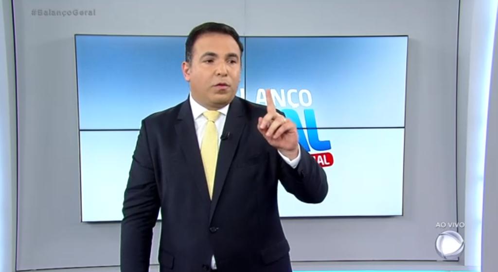 Reinaldo Gottino no comando do Balanço Geral Especial, na Record. (Foto: Reprodução)