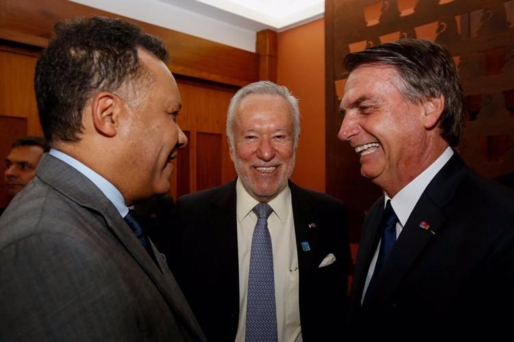 Heraldo Pereira, Alexandre Garcia e Jair Bolsonaro (Foto: Divulgação / Uol)