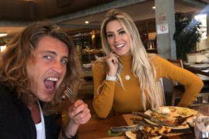 Isabella e Alberto em churracaria no Rio de Janeiro (Foto: Reprodução)