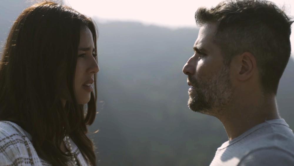 Laura e Gabriel na novela O Sétimo Guardião (Foto: Reprodução/Globo)
