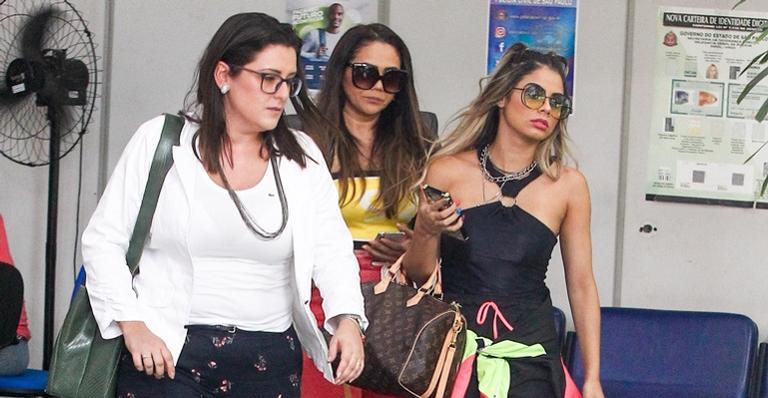 Lexa, esposa de MC Guimê, esteve recentemente em uma delegacia (Foto: Reprodução)