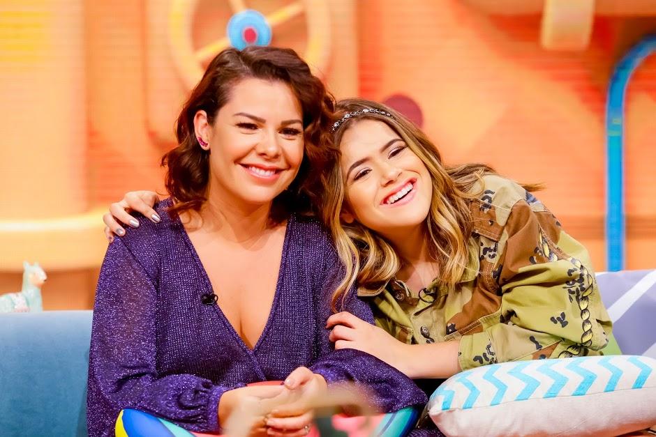 Maisa recebe Fernanda Souza na estreia do Programa da Maisa. (Foto: Gabriel Cardoso/SBT)