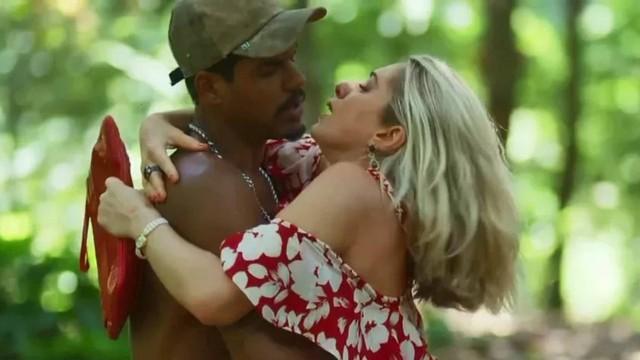 Fabim (Marcello Melo Jr.) e Marilda (Letícia Spiller) em O Sétimo Guardião (Foto: Reprodução/Globo)
