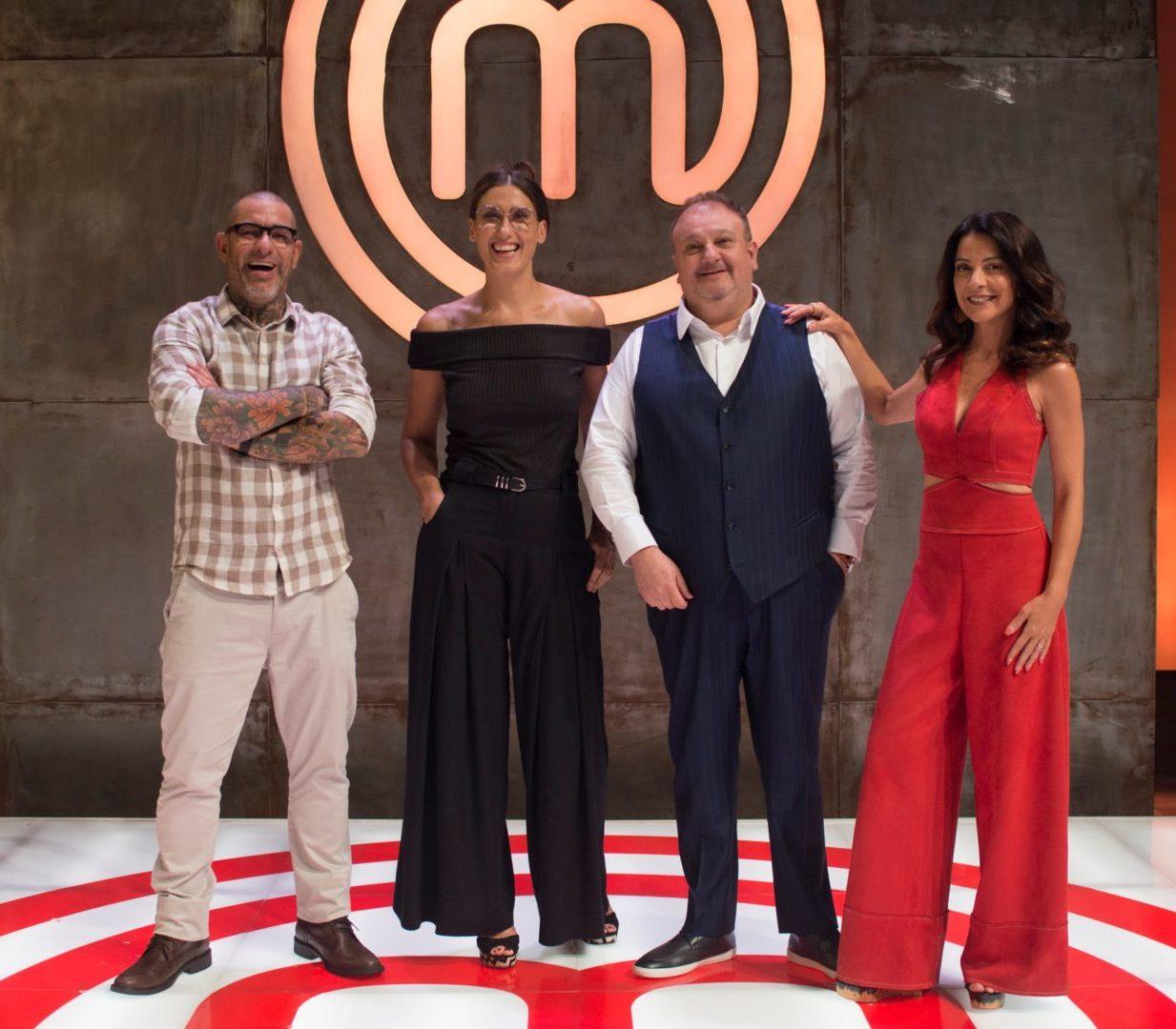Os jurados e a apresentadora da nova temporada do MasterChef Brasil (Foto: Reprodução)