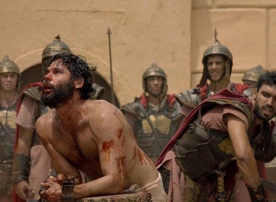 Dudu Azevedo e Eduardo Parlagreco em cena de Jesus. (Foto: Divulgação)