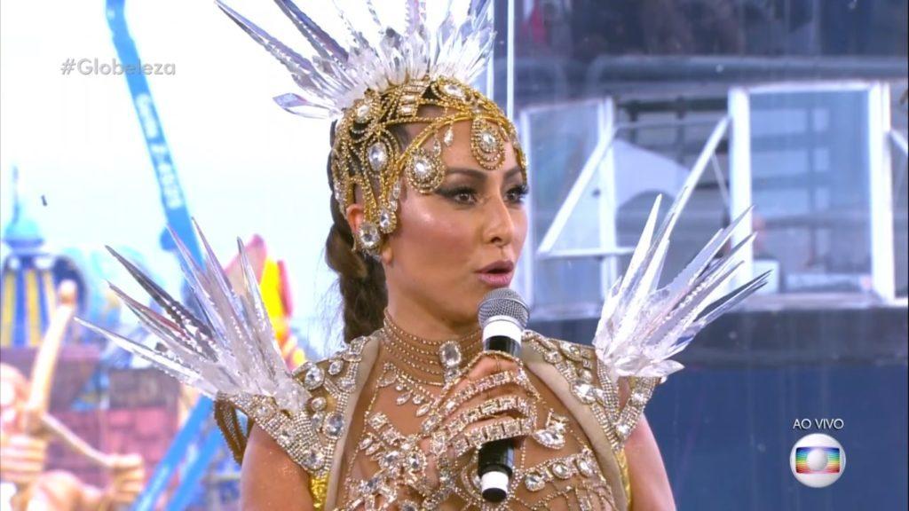 Sabrina Sato se recusou a coroar Aline Riscado pela Vila Isabel (Reprodução / TV Globo)