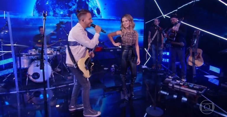 Sandy e Junior voltaram a cantar juntos após anunciarem volta da dupla (Foto: Reprodução/Globo)