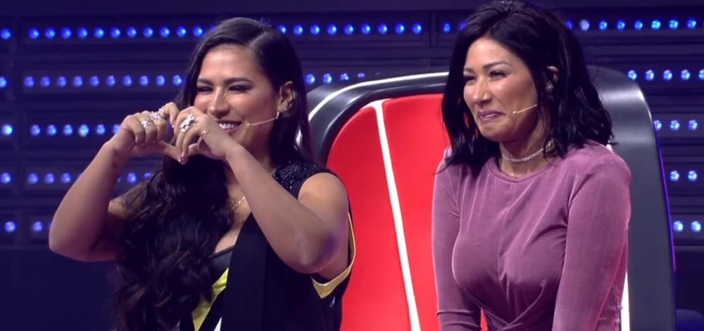 Simone detona cabelo curto de Simaria ao vivo no The Voice (Foto: Reprodução)