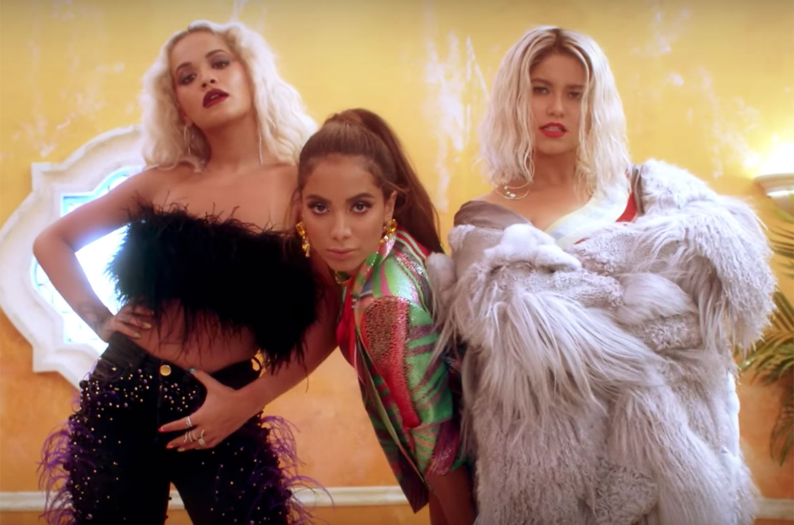 Sofia Reyes convida Anitta e Rita Ora em R.I.P