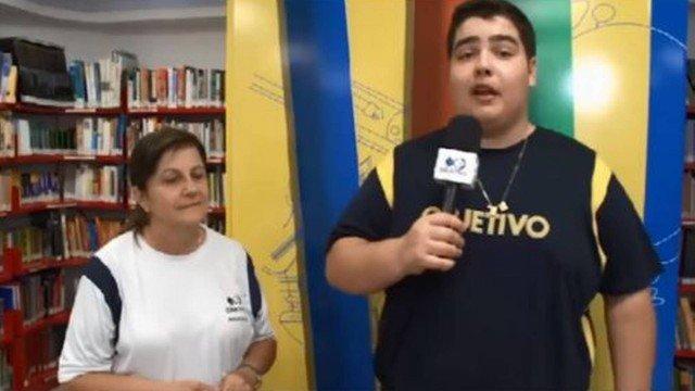João Guilherme como repórter (Foto: Divulgação)