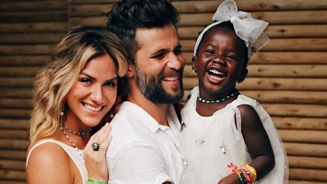 Giovanna Ewbank, Titi e Bruno Gagliasso da Globo e a filha Titi (Foto: Divulgação)