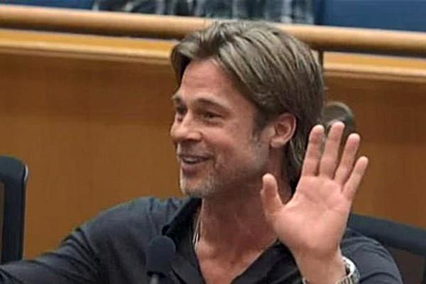 Juíza interrompe Brad Pitt (Foto: Reprodução)