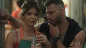 Mariana Santos (Carla) e Henri Castelli (Madureira) em cena de Malhação: Toda Forma de Amar (Foto: Reprodução/Globo)