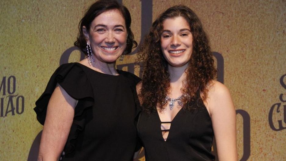 Giulia Bertolli e Lilia Cabral na estreia de O Sétimo Guardião