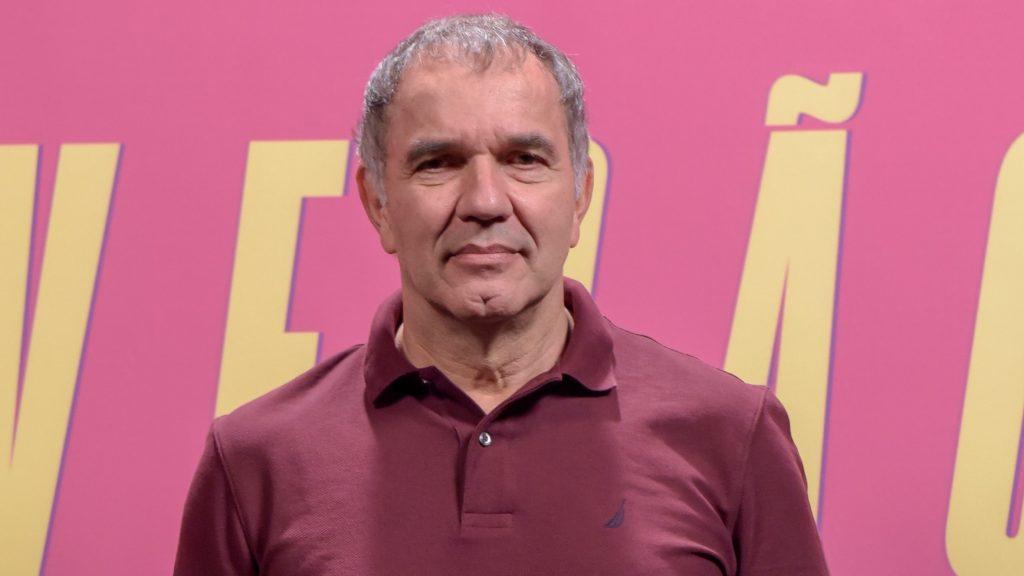 O ator Humberto Martins na divulgação da novela Verão 90 (Foto: Reprodução/Globo)