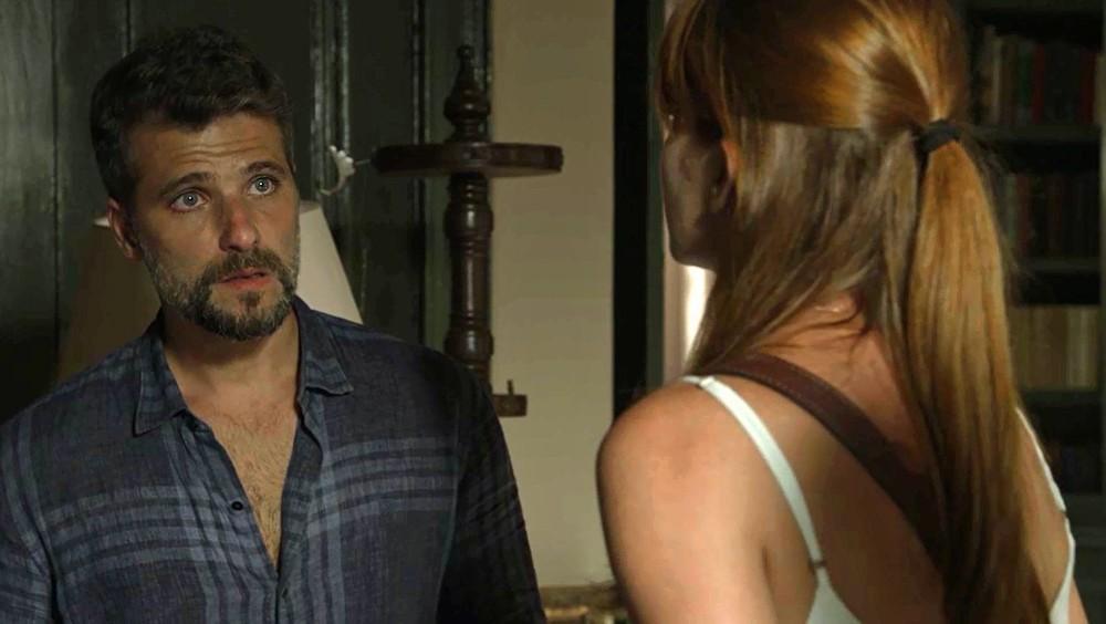 Gabriel (Bruno Gagliasso) e Luz (Marina Ruy Barbosa) em cena de O Sétimo Guardião