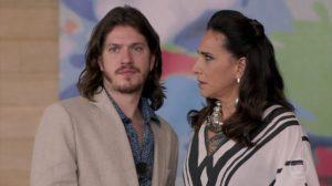 Quinzinho (Caio Paduan) e Mercedes (Totia Meirelles) em cena de Verão 90 (Foto: Reprodução/Globo)
