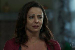 Neide (Viviane Araújo) em cena de O Sétimo Guardião (Foto: Reprodução/Globo)