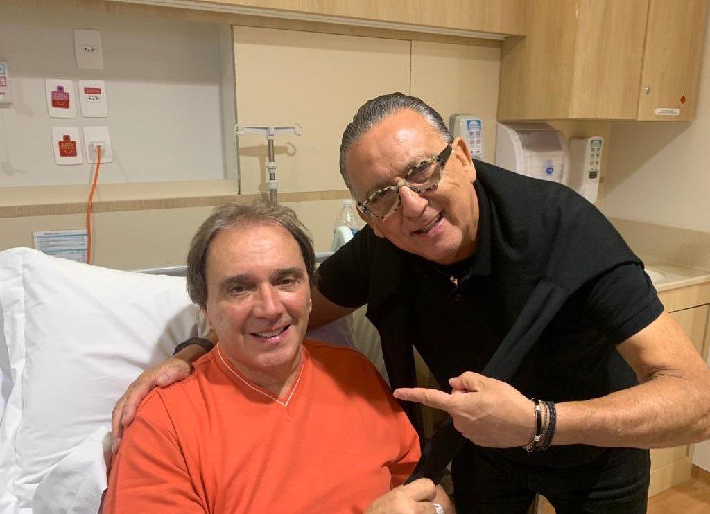Reginaldo Leme e Galvão Bueno no hospital (Foto: Reprodução/Twitter)