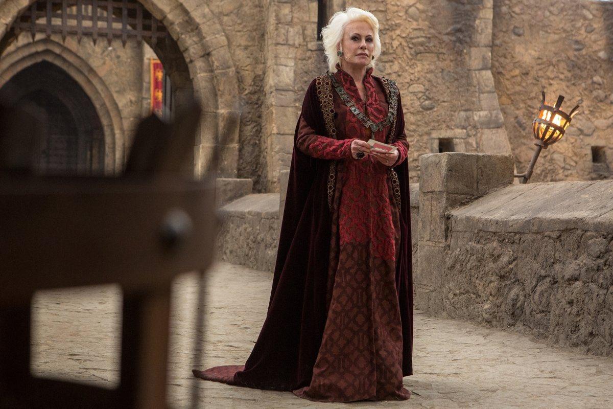 Ana Maria Braga foi comparada com a rainha Daenerys em Globo of Thrones (Foto: Reprodução)