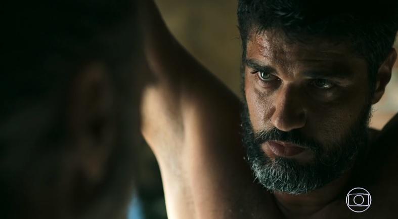 Hussein (Bruno Cabrerizo) é torturado em Órfãos da Terra