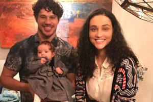 Débora Nascimento e José Loreto com filha Bella (Foto: Reprodução/Instagram)