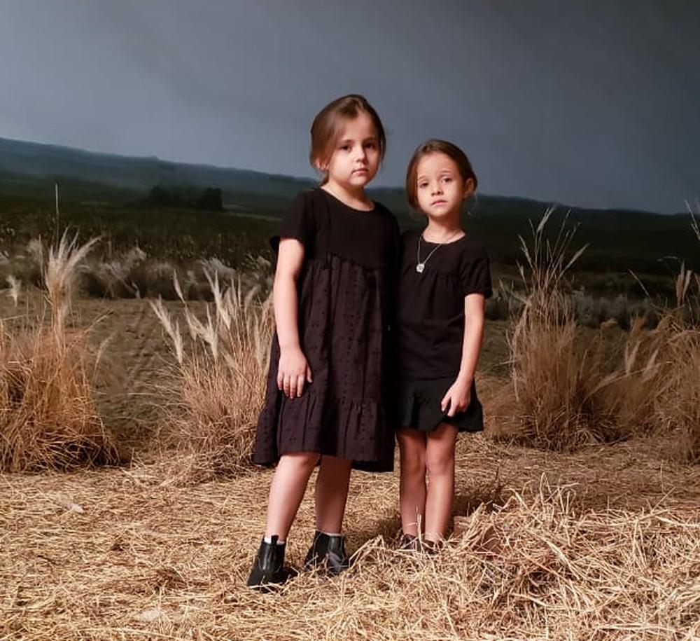 Na primeira fase de A Dona do Pedaço, Virgínia e Fabiana são vividas pelas pequenas Duda Batista e Maria Clara Baldon