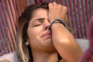 Hariany chora no BBB19 (Foto: Reprodução/Globo)