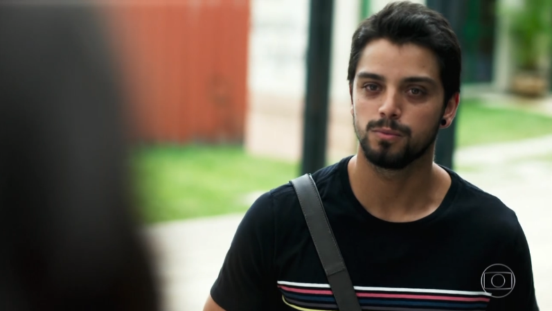 Bruno (Rodrigo Simas) em cena de Órfãos da Terra (Foto: Reprodução/Globo)