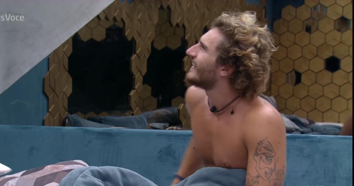 Alan acordando na Globo (Foto: Reprodução)