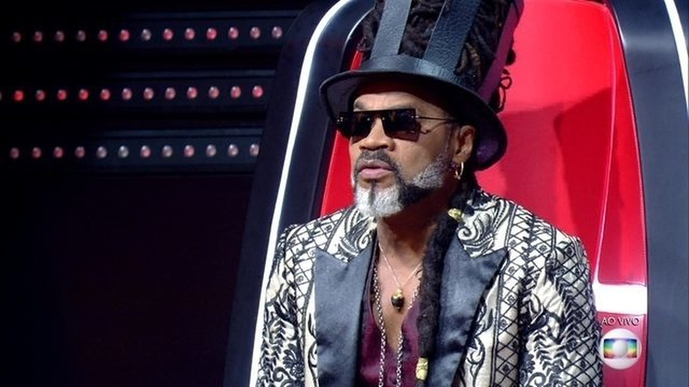 Carlinhos Brown na semifinal do The Voice Kids — Foto: TV Globo