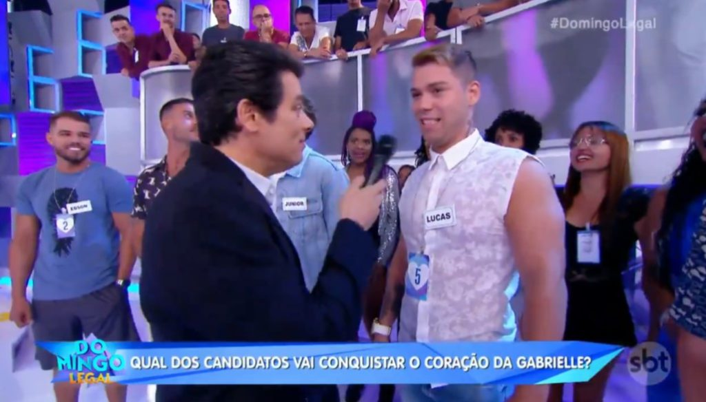 Celso Portiolli no comando do Domingo Legal, programa do SBT (Foto: Reprodução)