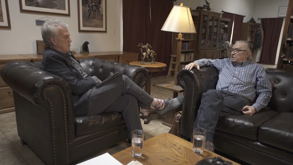 Pedro Bial em entrevista com o filósofo Olavo de Carvalho (Foto: Reprodução/Globo)