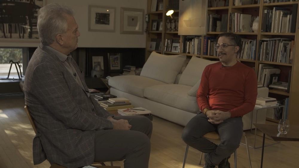 Pedro Bial em conversa com o ex-deputado federal Jean Wyllys (Foto: Reprodução/Globo)