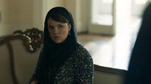Dalila em cena da novela das 18h da Globo, Órfãos da Terra (Foto: Reprodução)