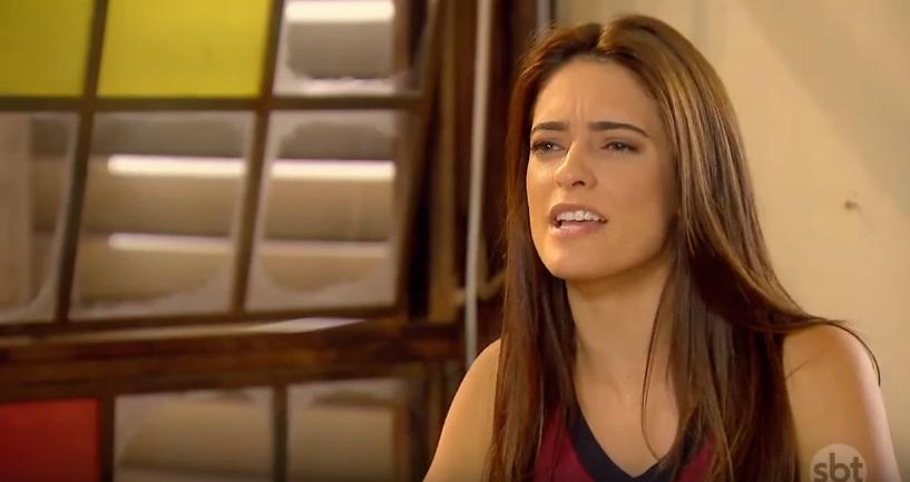 Débora (Lisandra Parede) não aceita perder em As Aventuras de Poliana)