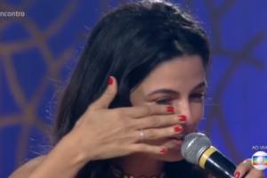 Emanuelle Araújo chora no Encontro (Foto: Reprodução/Globo)