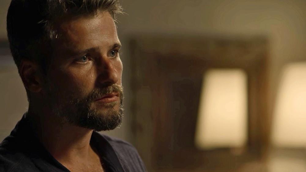 Gabriel em cena da novela das 21h da Globo, O Sétimo Guardião (Foto: Reprodução)
